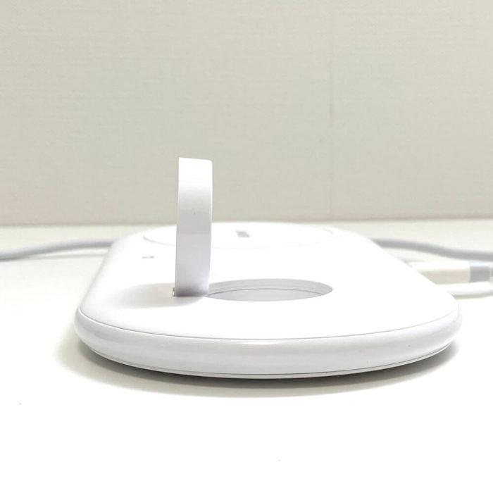 Apple Watchの充電は純正ワイヤレス充電ケーブルを使用